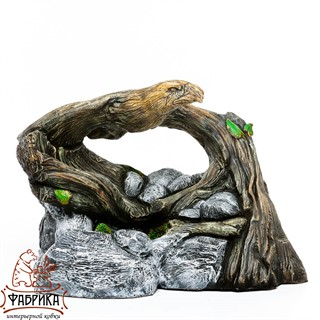 Декоративный фонтан орел на коряге
