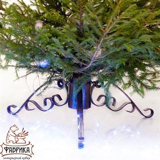 Кованая подставка для елки