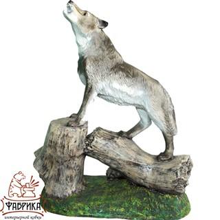 Садовая фигура из полистоуна Волк на Дереве U07410