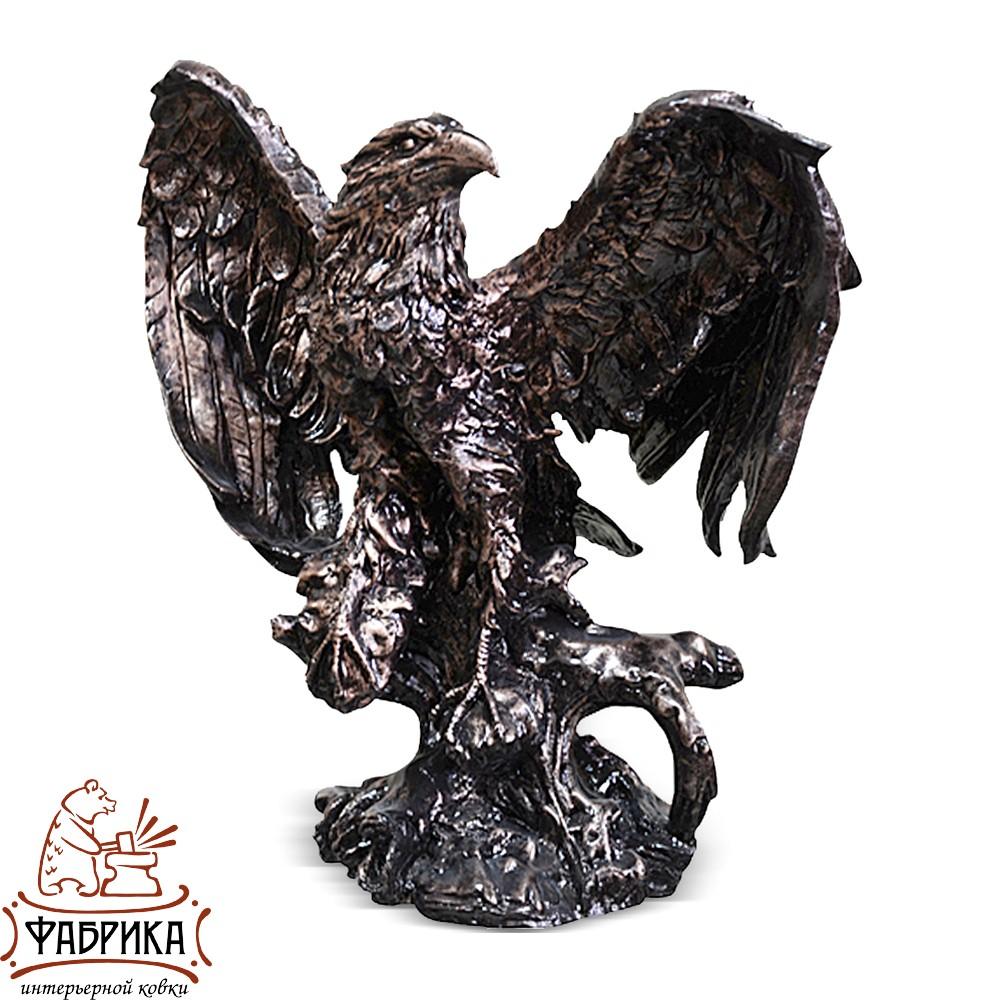 Орел на пне FS01025