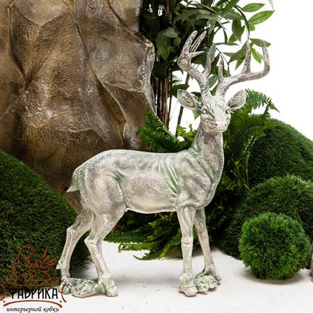 Фигура садовая Олень