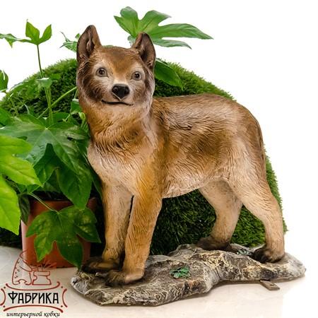 Садовая фигура волчонок