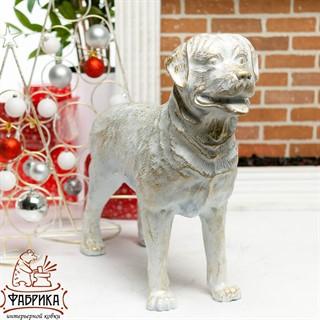 Фигура собаки ротвейлер