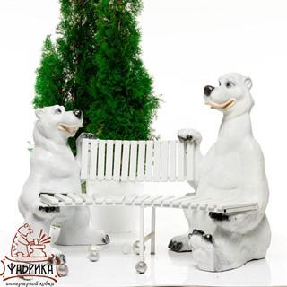 Скамейка с медведями