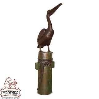 Скульптура Пеликан