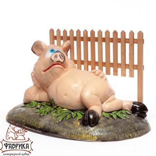 Крышка люка Свинка у забора