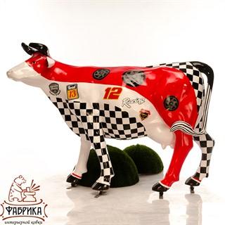 рекламная фигура корова с покраской феррари