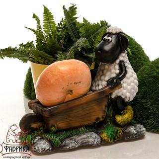 Фигура овечка с тачкой