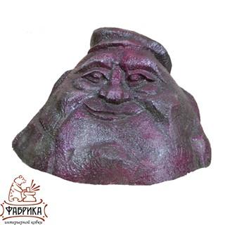 Камень в кепке