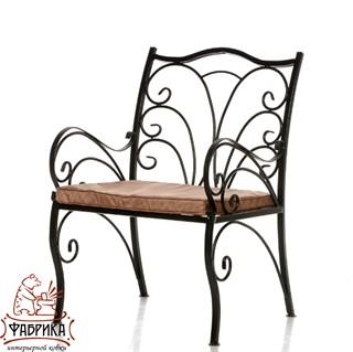 Кованое кресло