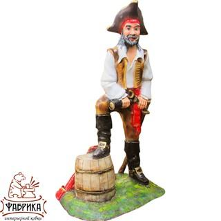 Садовая фигура из полистоуна Пират с Бочкой F07353