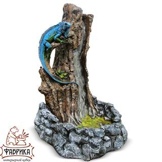 Садовый декор из полистоуна фонтан Игуана на Дереве F07307